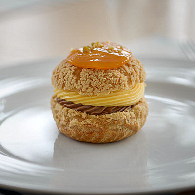 Choux Passion Fruit E Cioccolato